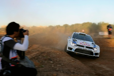 OGIER AHEAD OF LATVALA – VOLKSWAGEN ONE-TWO LEAD IN SPANISH DUST