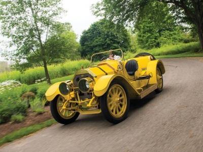 HISTORIC OLDSMOBILE AUTOCRAT 'YELLOW PERIL' RACES TO RM SOTHEBY'S HERSHEY STAGE