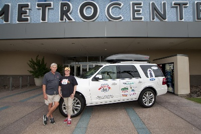 PAWS TO PEDAL: 2015 FORD EXPEDITION UNLEASHED AS OFFICIAL VEHICLE OF FIDO FRIENDLY'S SIXTH ANNUAL PET ADOPTION TOUR