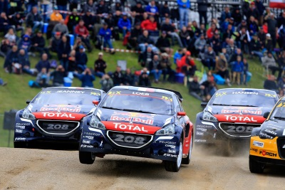 FOUR PEUGEOT 208 WRXS ON THE PROWL AT LYDDEN HILL