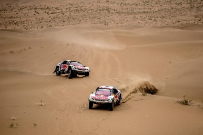 Peugeot DKR Keeps Pushing With Two Days To Go On Silk Way Rally