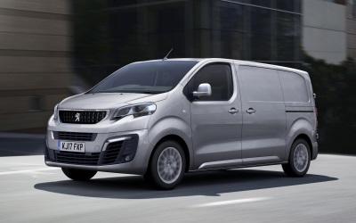 Peugeot Expert Wins Small Panel Van Of The Year In VansA2Z Van Of The Year Awards 2017