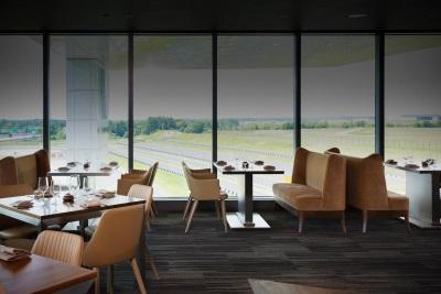 PORSCHE OPENS FINE DINING RESTAURANT AT NEW EXPERIENCE CENTER IN ATLANTA