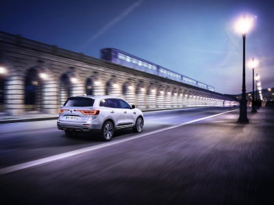 RENAULT CONTINUES ITS PRODUCT OFFENSIVE WITH THE EUROPEAN PREMIERE OF ALL-NEW KOLEOS AND KOLEOS INITIALE PARIS
