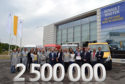 Renault Hands Over The Keys To The 2,500,000th LCV To Roll Out Of Its Batilly Plant