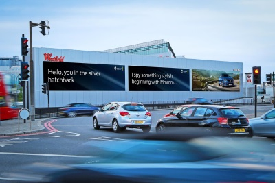 ALL-NEW RENAULT MÉGANE DEBUTS PIONEERING VEHICLE RECOGNITION TECHNOLOGY IN NEW ROADSIDE ADVERTISEMENT CAMPAIGN