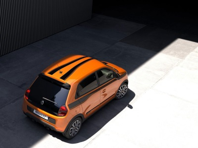GLOBAL UNVEIL FOR RENAULT'S GENRE-BUSTING NEW TWINGO GT AT GOODWOOD