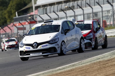 Renault UK Clio Cup Junior Title Race Reaches Critical Point At Pembrey