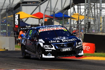 Rick Kelly in V8 title fight after stunning Clipsal comeback