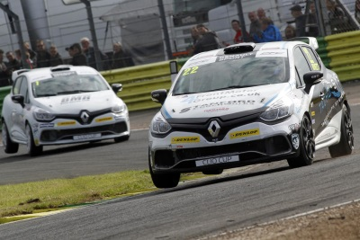 RIVETT & FIRST-TIME WINNER COATES SHARE THE VICTORIES IN CROFT'S RENAULT UK CLIO CUP ROUNDS