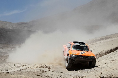 ROBBY GORDON REGAINS MOMENTUM IN DAKAR RALLY WITH THIRD-PLACE FINISH IN STAGE 5