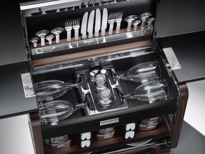 ROLLS-ROYCE CELEBRATES PHANTOM ZENITH COLLECTION WITH BESPOKE-COMMISSIONED PICNIC HAMPER