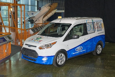SCIENCE GOES MOBILE: FORD FUND DONATES TRANSIT CONNECT WAGON TO HELP MICHIGAN SCIENCE CENTER