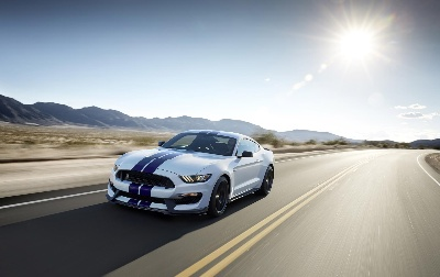 FORD SHELBY GT350 MUSTANG RAISES THE BAR FOR HANDLING