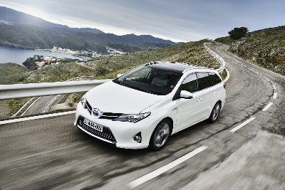 Toyota Increases Its British Manufacturing Output With Start Of Production Of New Auris Touring Sports