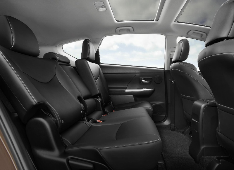 Restyled 2015 Toyota Prius v Posts Big Numbers in Roominess and Fuel Economy