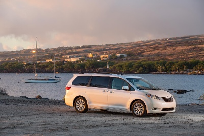 Toyota Sienna Named Best 3-Row Vehicle for Families