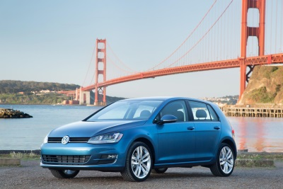 VOLKSWAGEN GOLF RECEIVES AUTOPACIFIC 2015 IDEAL VEHICLE AWARD
