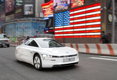 THE VOLKSWAGEN XL1 HITS THE STREETS OF NEW YORK