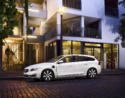 VOLVO CAR GROUP ALMOST DOUBLES PRODUCTION OF THE INNOVATIVE V60 PLUG-IN HYBRID