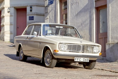 VOLVO'S FIRST MILLION SELLER CELEBRATES 50 YEARS. CONGRATULATIONS TO THE VOLVO 140!