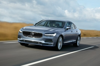 NEW VOLVO S90 LUXURY SEDAN MAKES CHICAGO DEBUT, XC90 SUV PRESENTED WITH THREE AWARDS AT 2016 CHICAGO AUTO SHOW