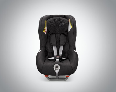 VOLVO CARS ADDS COMFORT AND CONVENIENCE TO SAFETY WITH NEW-GENERATION CHILD SEATS