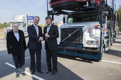 VOLVO TRUCKS DELIVERS 1,000TH VAH MODEL TO AUTO TRANSPORTER HANSEN & ADKINS