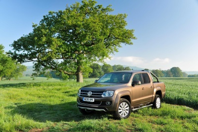 SHINE OR COVER, BUT NEVER LOSE YOUR WAY WITH AMAROK SUMMER OFFERS