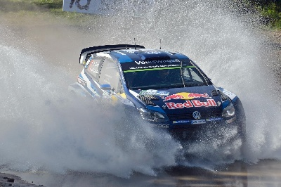 BACK IN DRIFT MODE – VOLKSWAGEN DUOS SET THE PACE IN THE ARGENTINA SHAKEDOWN