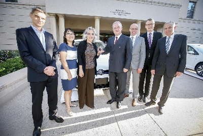 VOLKSWAGEN GROUP OF AMERICA PROVIDES E-GOLF ALL-ELECTRIC VEHICLE TO STANFORD UNIVERSITY FOR E-MOBILITY RESEARCH
