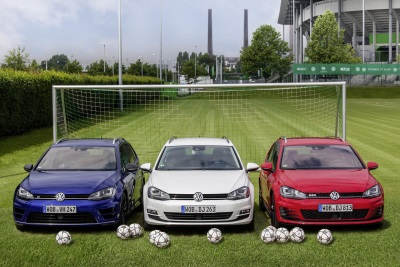 VOLKSWAGEN IS READY FOR EURO 2016 IN FRANCE: GOLF VARIANT IN THE COLOURS OF THE TRICOLOUR