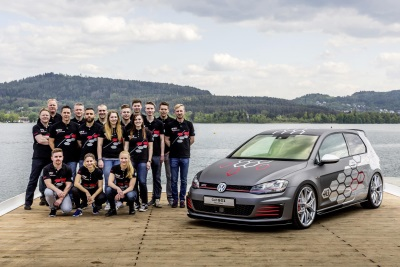 VOLKSWAGEN APPRENTICES FROM WOLFSBURG PRESENT THEIR GOLF GTI HEARTBEAT WITH 400 PS (295 KW) AT WÖRTHERSEE MEETING