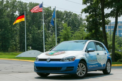 VOLKSWAGEN GOLF TDI® ROUNDS LOWER 48 STATES ON LESS THAN $300 OF CLEAN DIESEL, SETS GUINNESS WORLD RECORDS™ ACHIEVEMENT FOR FUEL ECONOMY