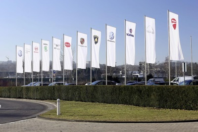 VOLKSWAGEN GROUP DELIVERS 3.36 MILLION VEHICLES IN PERIOD TO APRIL