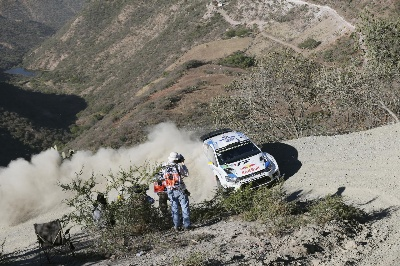¡ARRIBA! – HIGHLY ACCLAIMED START TO THE RALLY MEXICO FOR VOLKSWAGEN