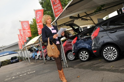 WEBSITE METRICS INDICATE RECORD YEAR FOR CAR SALES, SAYS WHATCAR.COM