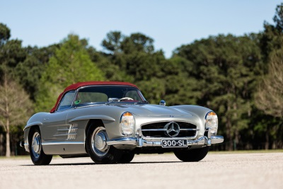 82% sell through rate and award winning 1957 Mercedes-Benz 300 SL Roadster tops the sales at Worldwide Auctioneers' Texas Classic Auction