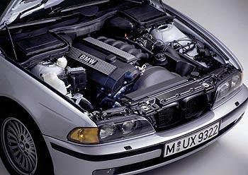 2000 BMW 528i Image