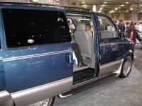 2003 GMC Safari image.