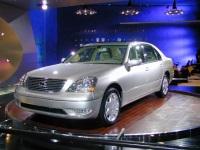 2001 Lexus LS 430 image.