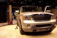 2003 Lincoln Navigator image.