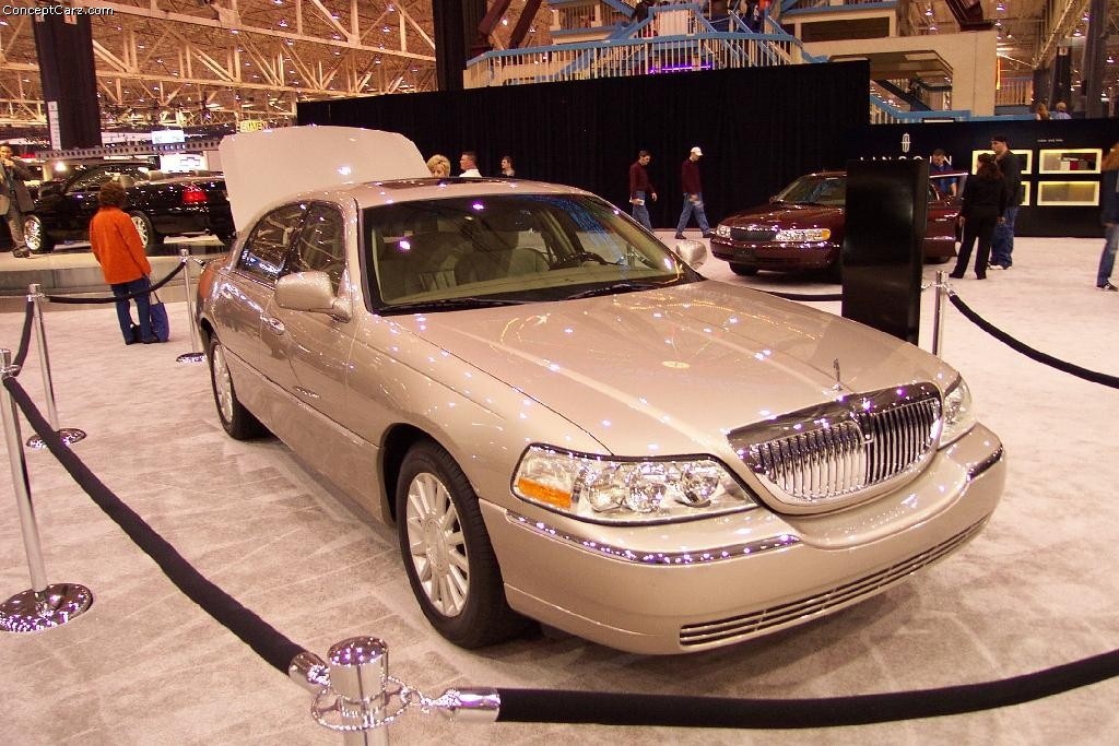 Lincoln Town Car Price