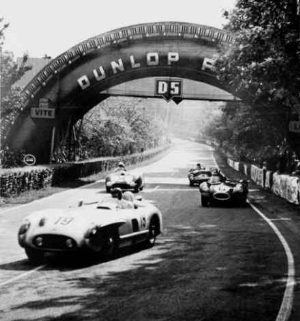 Mike Hawthorn & the 1955 24 Hours of Le Mans: The Cause and the Effect