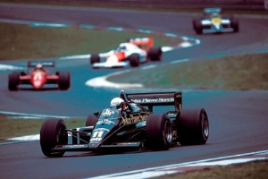 1985 San Marino Grand Prix: Angelis Descending, Ascending