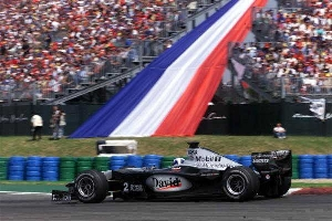 2000 French Grand Prix: Gesture and Win