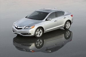 Acura Debuts 2013 RDX and All-New ILX Sedan at Chicago Auto Show