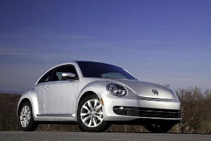 VOLKSWAGEN TO DEBUT THE FUEL-EFFICENT BEETLE TDI AT THE CHICAGO AUTO SHOW