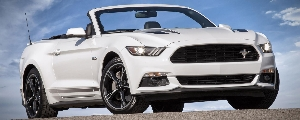 2016 Model Year Mustang GT To Receive Hood Vent Turn Signals, A Nod To Car's Heritage, New Packaging Options