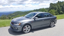 Driving Impressions: The 2017 Volkswagen Jetta 2.0T GLI and 1.4T SE
